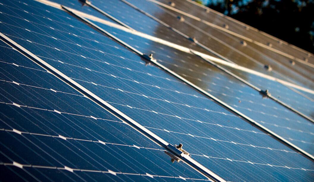 Jaka jest i z czego wynika sprawność energetyczna instalacji PV?